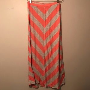 LC Lauren Conrad pink & gray chevron maxi skirt MD